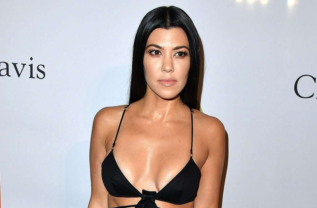 LOS ANGELES, CA - FEBRUARY 11:  Kourtney Kardashian arrives at the Pre-GRAMMY Gala and Salute to Industry Icons Honoring Debra Lee on February 11, 2017 in Los Angeles, California.  (Photo by Steve Granitz/WireImage)